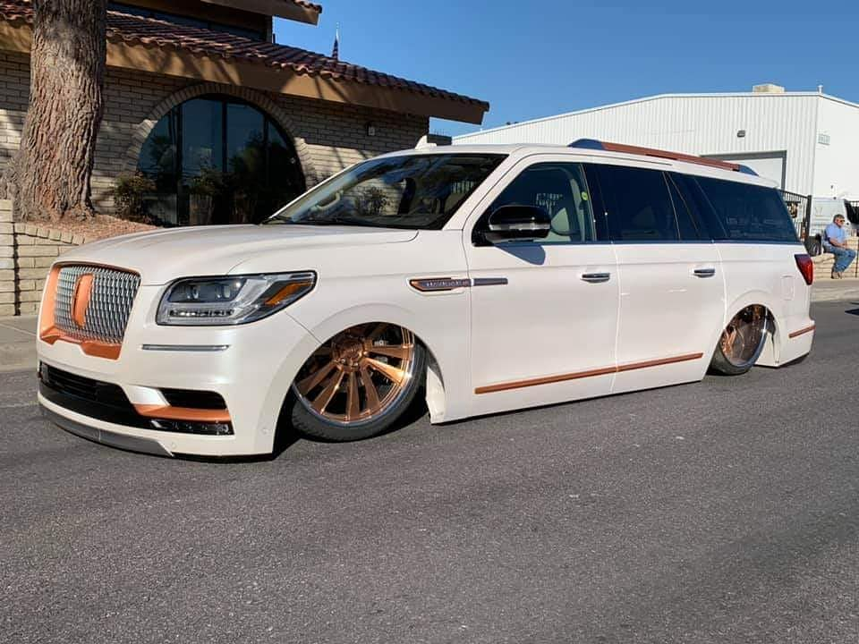 Project Navih8r Airride Lincoln Navigator Tuning 15 Video: Project Navih8r   Airride im fetten Lincoln Navigator!