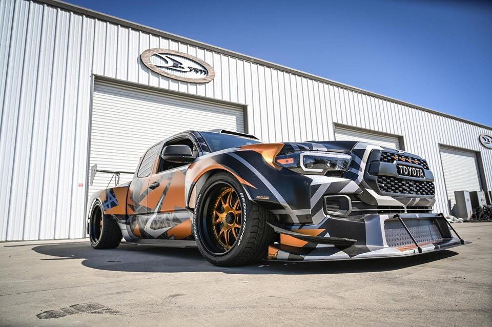 Toyota Tacoma TRD Widebody Forgeline Tuning Nascar V8 18 Toyota Tacoma TRD Widebody mit 900 PS zur SEMA