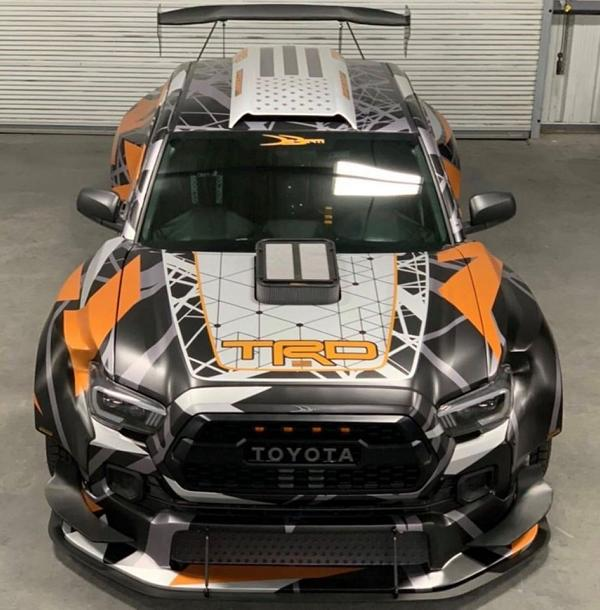 Toyota Tacoma TRD Widebody Forgeline Tuning Nascar V8 23 Toyota Tacoma TRD Widebody mit 900 PS zur SEMA