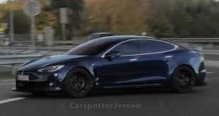Widebody Tesla Model S PLAID P100D 310x165 Video: Teaser   Mopar Dodge Challenger Drag Car zur SEMA