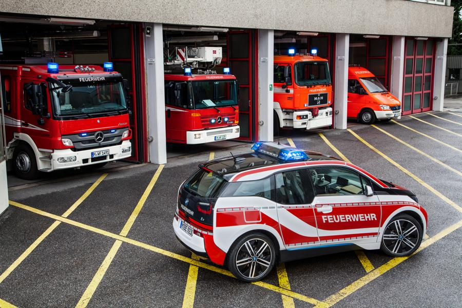 Fire engine car emergency vehicle 2 Not only as a large truck! The fire engine as a car