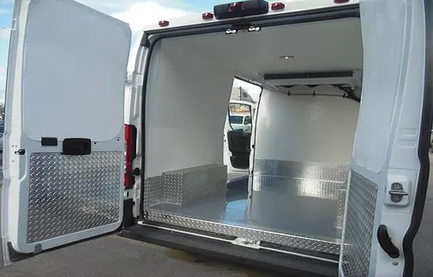 Refrigerated vehicle Refrigerated car refrigerated van 2 For the service business: conversion to a refrigerated vehicle!