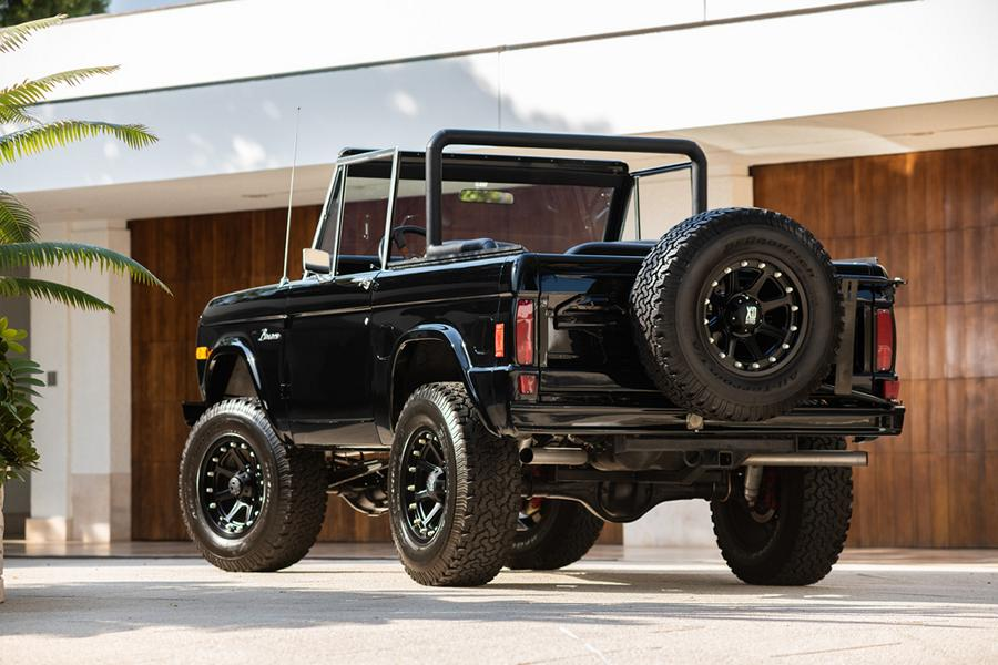 1977 Ford Bronco Pickup Restomod Simon Cowell 9 1977 Ford Bronco Pickup Restomod von Simon Cowell