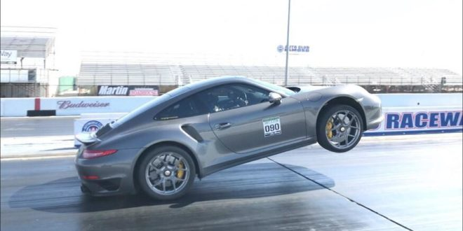 Video: Kein Fake – Porsche 911 Turbo S (991) Wheelie!