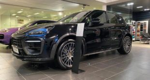 Widebody Porsche Cayenne PO536 SUV MTR Carbon Header 310x165 Video: Toyota MR2 als Lamborghini Veneno, Ferrari & Co.