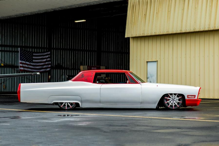 1968 Cadillac V8 Coupe DeVille Restomod Tuning 3 Rot/Weiß  1968 Cadillac V8 Coupe DeVille als Restomod!