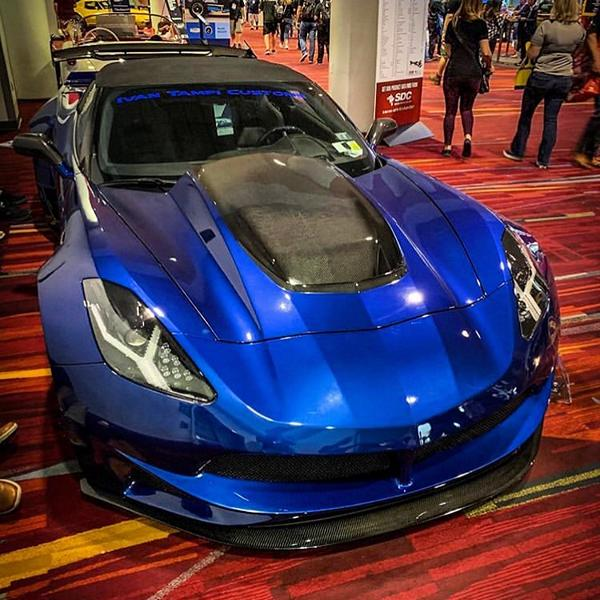 Corvette C7 mit Limited Edition XIK Widebody Kit 3 Limited Edition XIK Widebody Kit an der Corvette C7