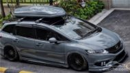 Honda Jade Stance Tuning Airride VSXX rims 4 190x107 Honda Jade with Stance Tuning a minivan can be so cool.