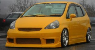 Honda Jazz Stickerbomb JDM Tuning Header 310x165 Honda Spirior in schwarzer Optik: Japan Limo im Stealth Bomber Look!