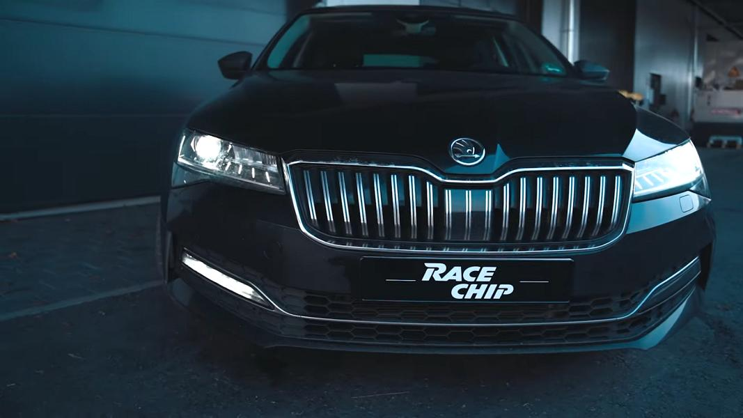RaceChip Skoda Superb 2.0 TSI Chiptuning Video: RaceChip Skoda Superb 2.0 TSI mit 340 PS & 430 NM