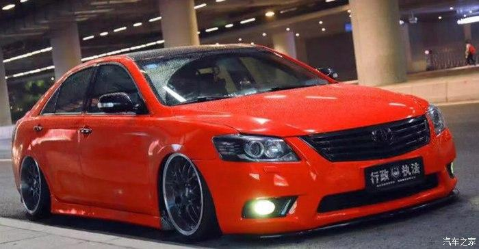 Toyota Camry Stance Tuning 1 Toyota Camry mit Stance Tuning   Limo mit Tuning Seltenheitsfaktor!