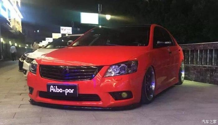 Toyota Camry Stance Tuning 4 Toyota Camry mit Stance Tuning   Limo mit Tuning Seltenheitsfaktor!