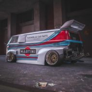 VW T1 Bulli W12 Tuning Martini Widebody Kit 1 190x190 650 PS VW T1 Bulli mit W12 Triebwerk und Widebody Kit!
