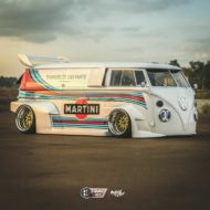 VW T1 Bulli W12 Tuning Martini Widebody Kit 3 190x190 650 PS VW T1 Bulli mit W12 Triebwerk und Widebody Kit!