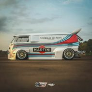 VW T1 Bulli W12 Tuning Martini Widebody Kit 5 190x190 650 PS VW T1 Bulli mit W12 Triebwerk und Widebody Kit!