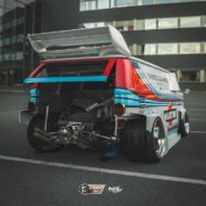 VW T1 Bulli W12 Tuning Martini Widebody Kit 7 190x190 650 PS VW T1 Bulli mit W12 Triebwerk und Widebody Kit!