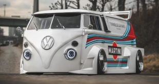 VW T1 Bulli W12 Tuning Martini Widebody Kit 9 1 e1589194972552 310x165 650 PS VW T1 Bulli mit W12 Triebwerk und Widebody Kit!
