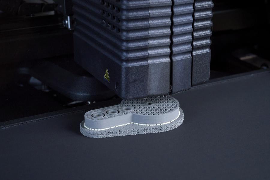 Vorentwicklung 6 BMW hat Technologie Campus für 3D Druck eröffnet!