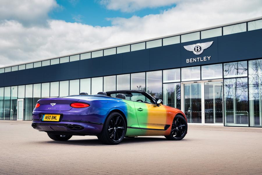 Bentley Continental GT Rainbow Car Wrap 2020 3 Bunter Hund   Bentley Continental GT als Rainbow Car!