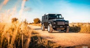 Twisted Automotive Land Rover Defender Elektro E Antrieb 310x165 OCC Land Rover Defender 90 Replika mit V8 in Himmelblau!