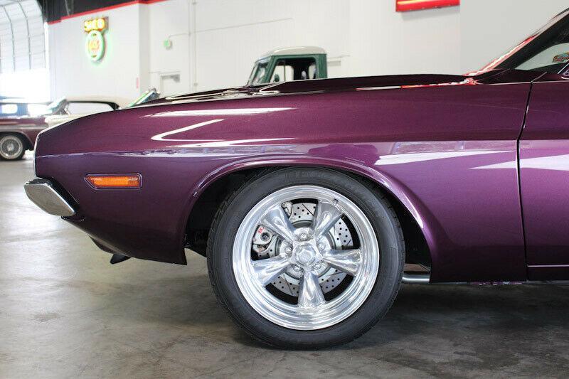 V8 Power im 1970er Dodge Challenger Restomod 11 V8 Power im 1970er Dodge Challenger Restomod