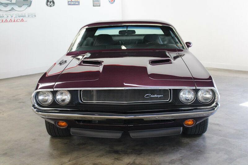 V8 Power im 1970er Dodge Challenger Restomod 4 V8 Power im 1970er Dodge Challenger Restomod