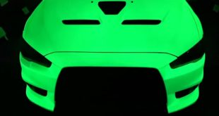 Glow in the Dark Pigments Leuchtlackierung Tuning Mitsubishi Evo 16 310x165 Video: Krasse Leucht Lackierung am Mitsubishi Evo!