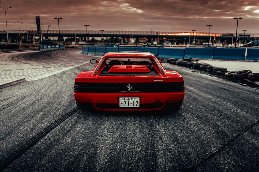 Slammed Ferrari Testarossa Camber Tuning Airride 4 Slammed Ferrari Testarossa mit irren Camber Tuning!