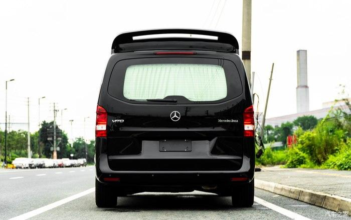 Mercedes Benz Vito AMG Grill Tuning Interieur 7 Mercedes Benz Vito als rollende Luxus Suite mit AMG Grill!