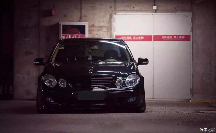 Mercedes E Klasse W211 Work Emitz Felgen VIP Tuning 2 Mercedes E Klasse (W211) auf Work Emitz Felgen mit VIP Tuning.