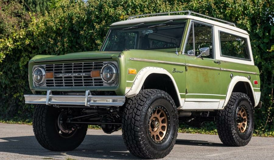 "1975 Ford Bronco The Professor Coyote V8 Restomod Tuning 50 900x525 1975er Ford Bronco ""The Professor"" mit Coyote V8 Power!"