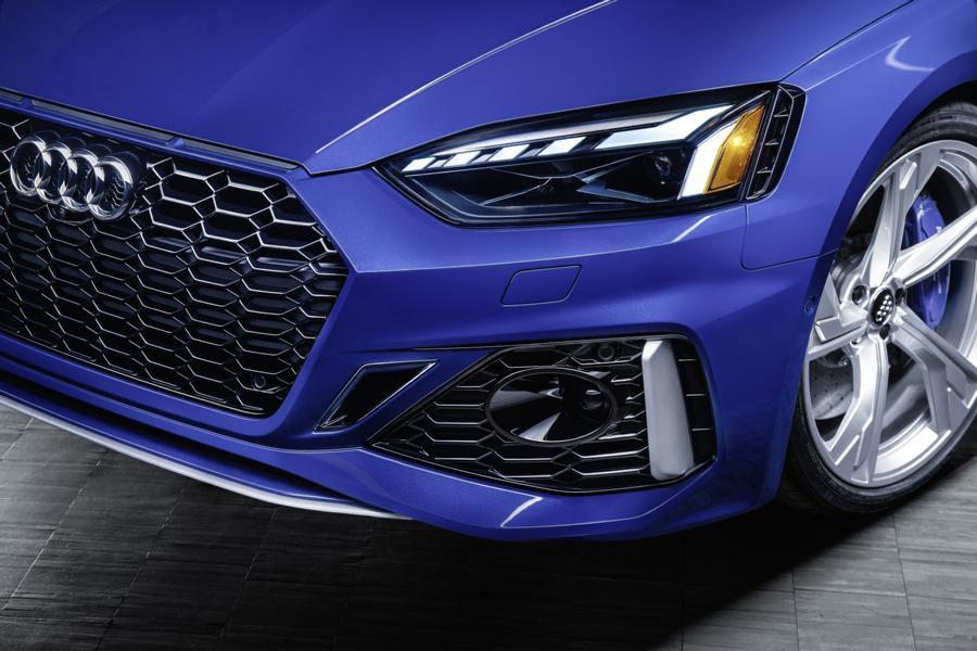 Ascari Launch Edition Black Optic Audi RS5 Sportback Tuning 12 Scheinwerfer polieren kann für den Fahrer teuer werden!