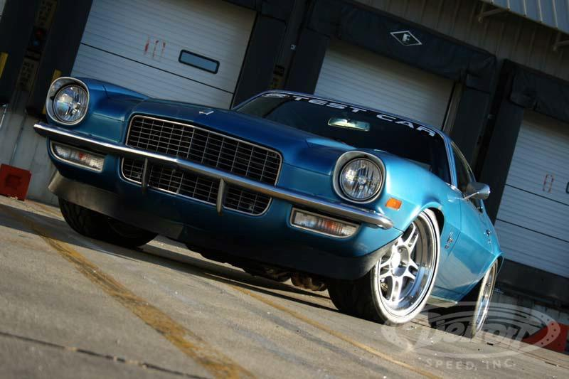 Detroit Speed 1970 Chevrolet Camaro GM 7.0L LS7 V8 Restomod 44 Video: 1970 Chevrolet Camaro mit GM 7.0L LS7 V8 Power!