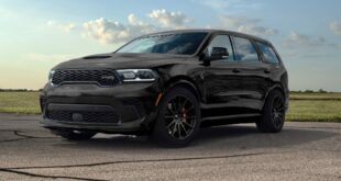 Dodge Durango SRT Hellcat Hennessey Performance Tuning HPE1000 310x165 Dodge Charger Hellcat Widebody Daytona mit auffälliger Comic Folierung!