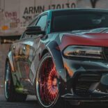 Skepple Dodge Charger Hellcat Widebody Daytona Folierung Airride 9 155x155 Dodge Charger Hellcat Widebody Daytona mit auffälliger Comic Folierung!