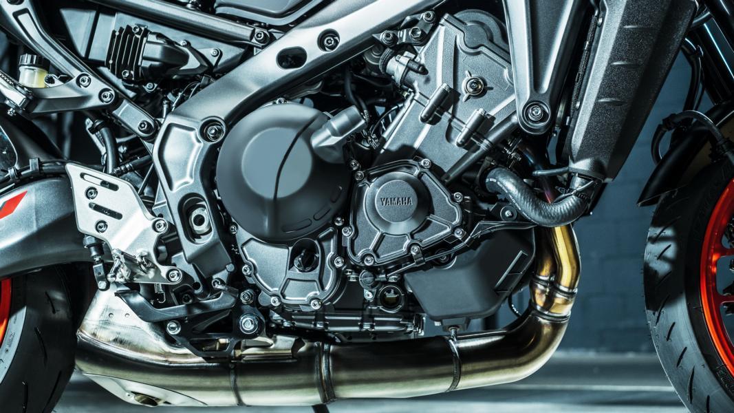 MT 09 SP 2021: Hyper Naked: Motocikli: YAMAHA SIBEG