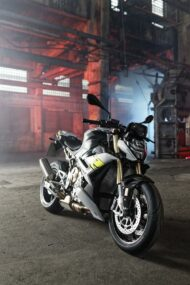 BMW S 1000 R Tuning 2021 19 190x285 Emotional roadster look the new BMW S 1000 R!