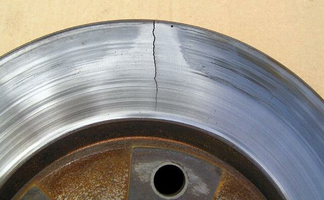 Turning off the brake discs overturning cracks e1604479598896 Car vibrates or wobbles while driving Why?
