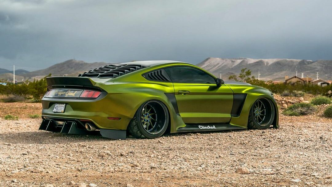 Dapper Grinch Clinched Widebody Ford Mustang GT 2 e1606473670475 Dapper Grinch  Clinched Widebody Ford Mustang GT!