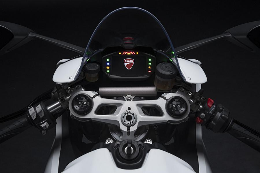 Ducati Panigale V4 SP 2021 19 Mighty power for the racetrack: 2021 Ducati Panigale V4!