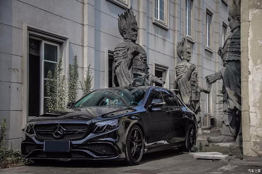 Mercedes E300L Chiptuning AMG Style 2 Black Star: Mercedes E300L mit Chiptuning & AMG Style!