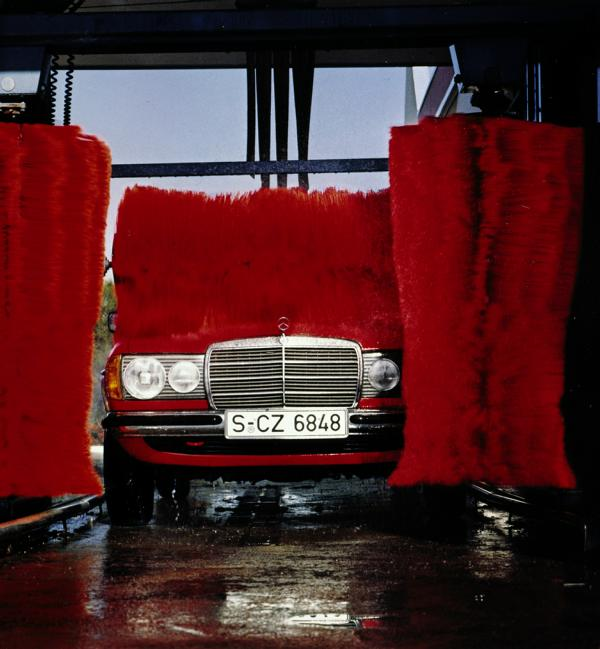 Cleaning technology over time 2 From feather duster to car wash: cleaning technology over time!