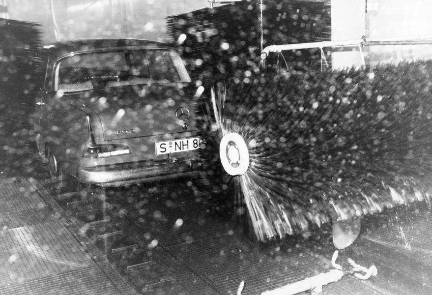 Cleaning technology over time 3 From feather duster to car wash: cleaning technology over time!