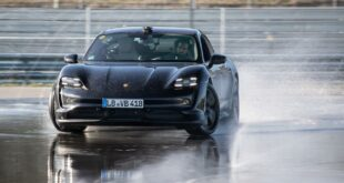 Record 2020 Porsche Taycan E Auto Drift 7 310x165 Record: 2020 Porsche Taycan with the longest E Auto Drift!