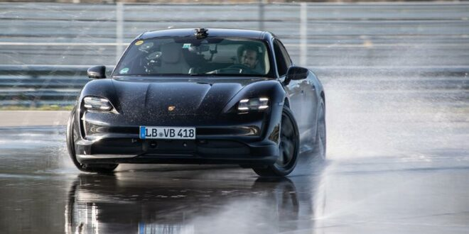 Record: 2020 Porsche Taycan with the longest electric car drift!
