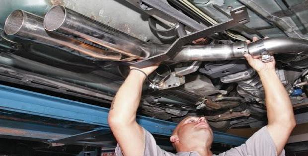 Replace exhaust defective 1 Exhaust defective? This is to be done when it is booming and noisy!