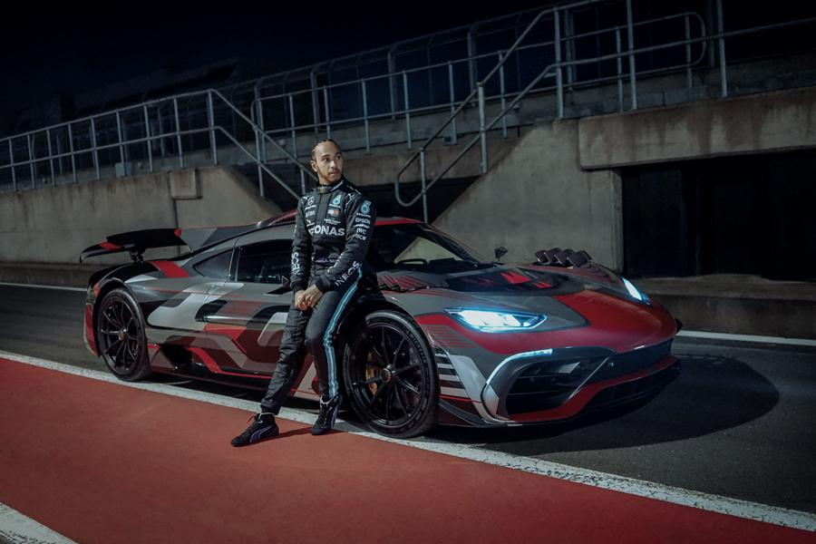 """AMG Lewis Hamilton After work Project one Mercedes 5 AMG Marketingkampagne """"After work"""" mit Lewis Hamilton!"""