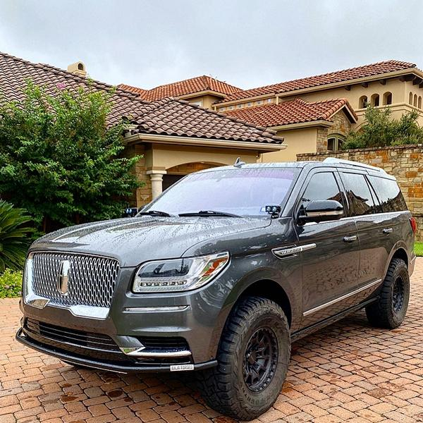 Lincoln Navigator Offroad Toyo Tuning 4 Luxusliner mit Offroad Qualitäten! Lincoln Navigator!
