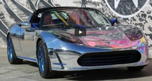 Tesla Roadster Vollfolierung Chrom 310x165 Downgrade: World War II Style am Dodge Durango SUV!