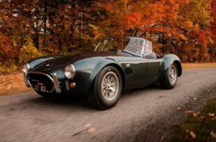 1965 Shelby 427 Cobra CSX3178 Tuning V8 4 310x205 $ 5,9 million for Carroll's 1965 Shelby 427 Cobra!